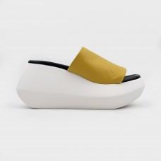 Желтые кожаные шлепанцы VM2105-YEL