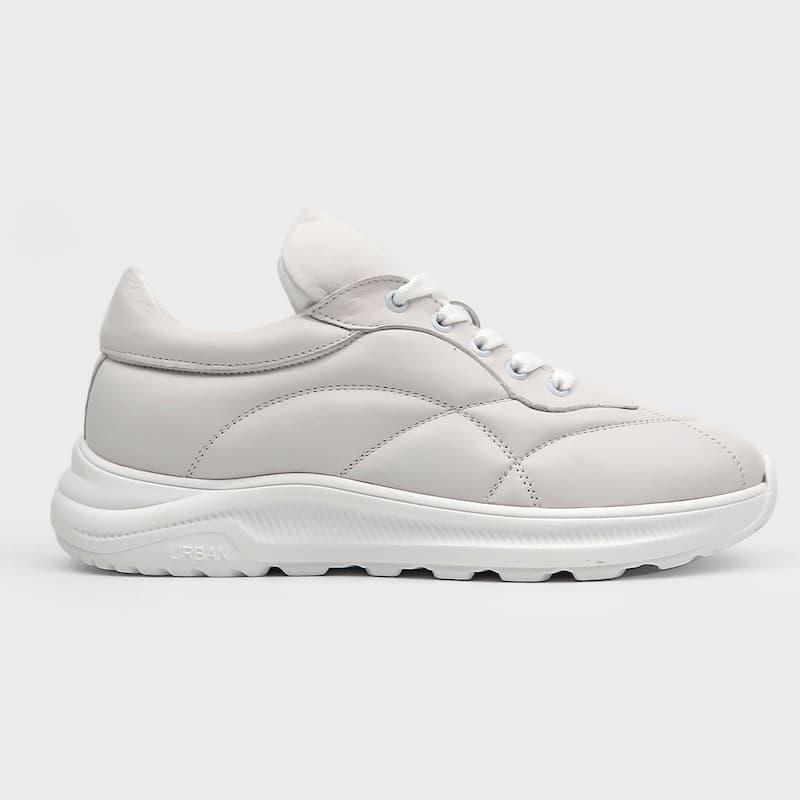 Модные и стильные кроссовки 2021